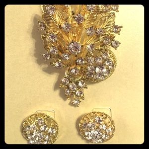 Gold and diamond inspired brooch set